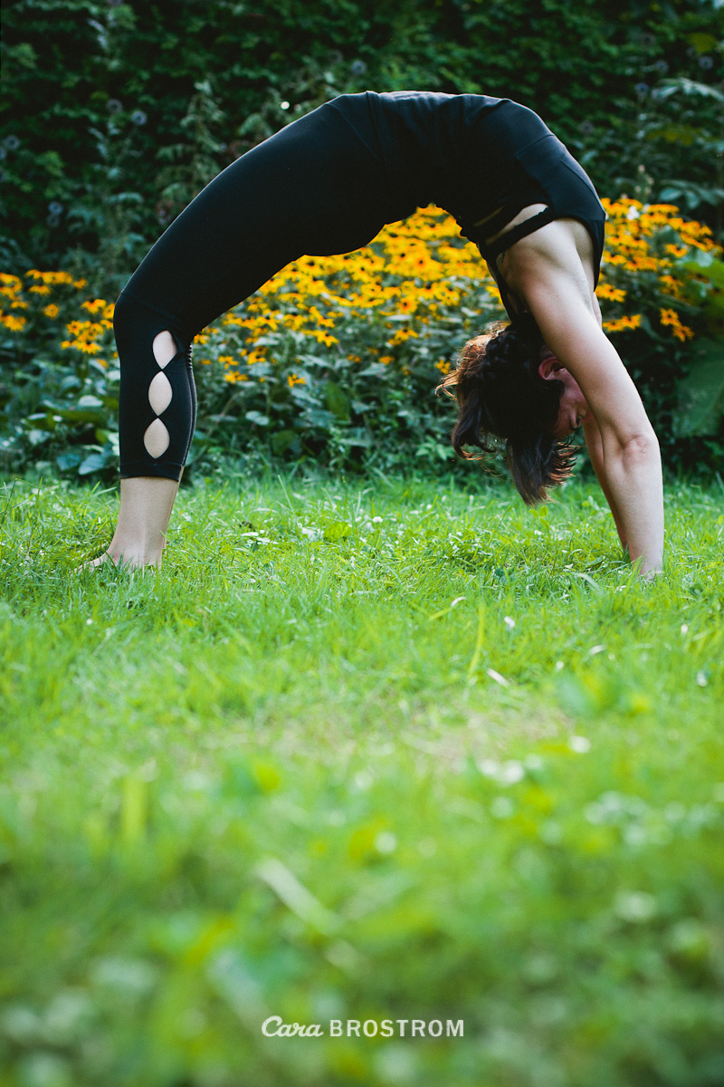 backbend yoga asana fit woman garden mother photography Jenn Pici Falk